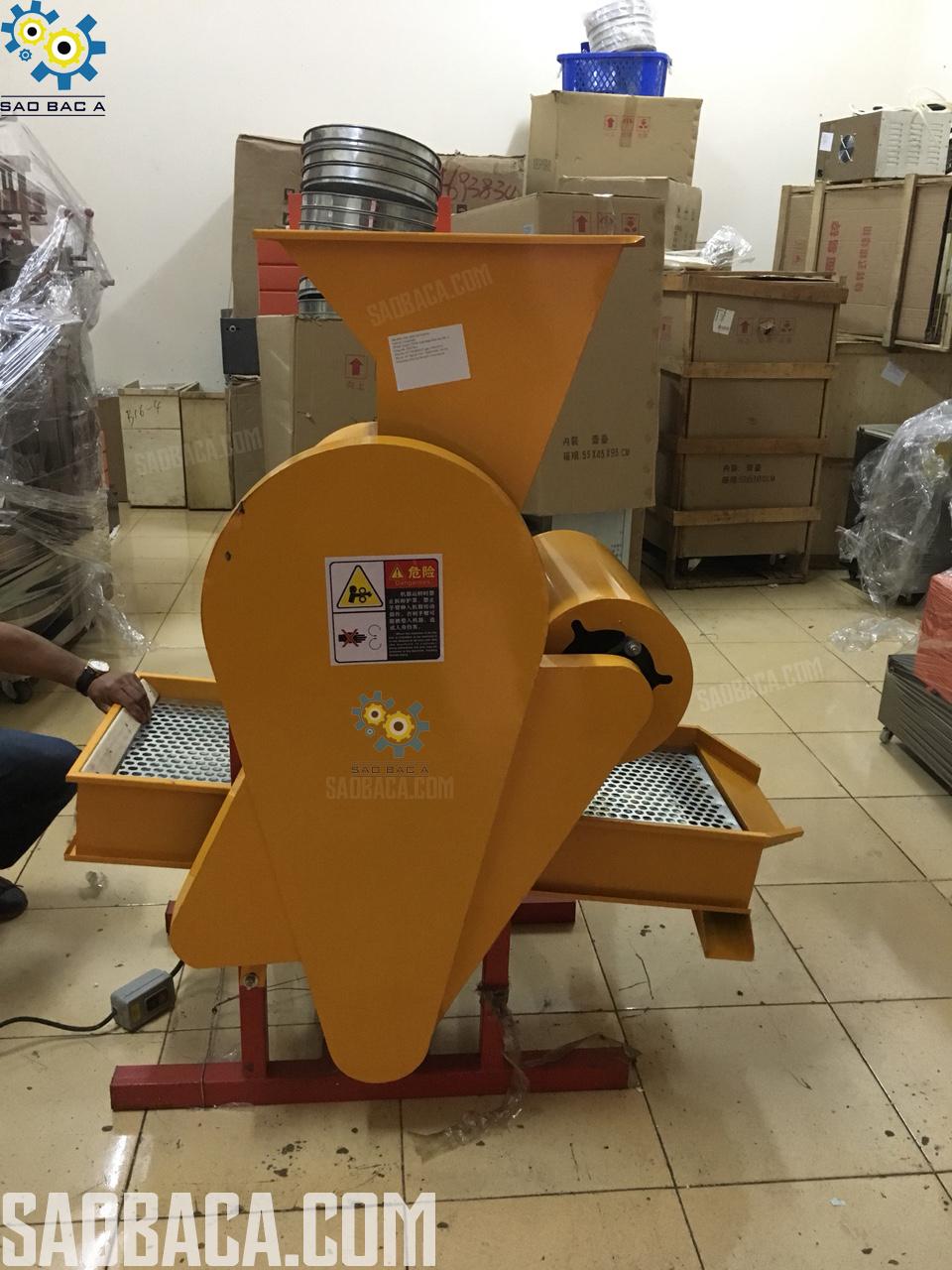 máy bóc tách vỏ lạc tự động